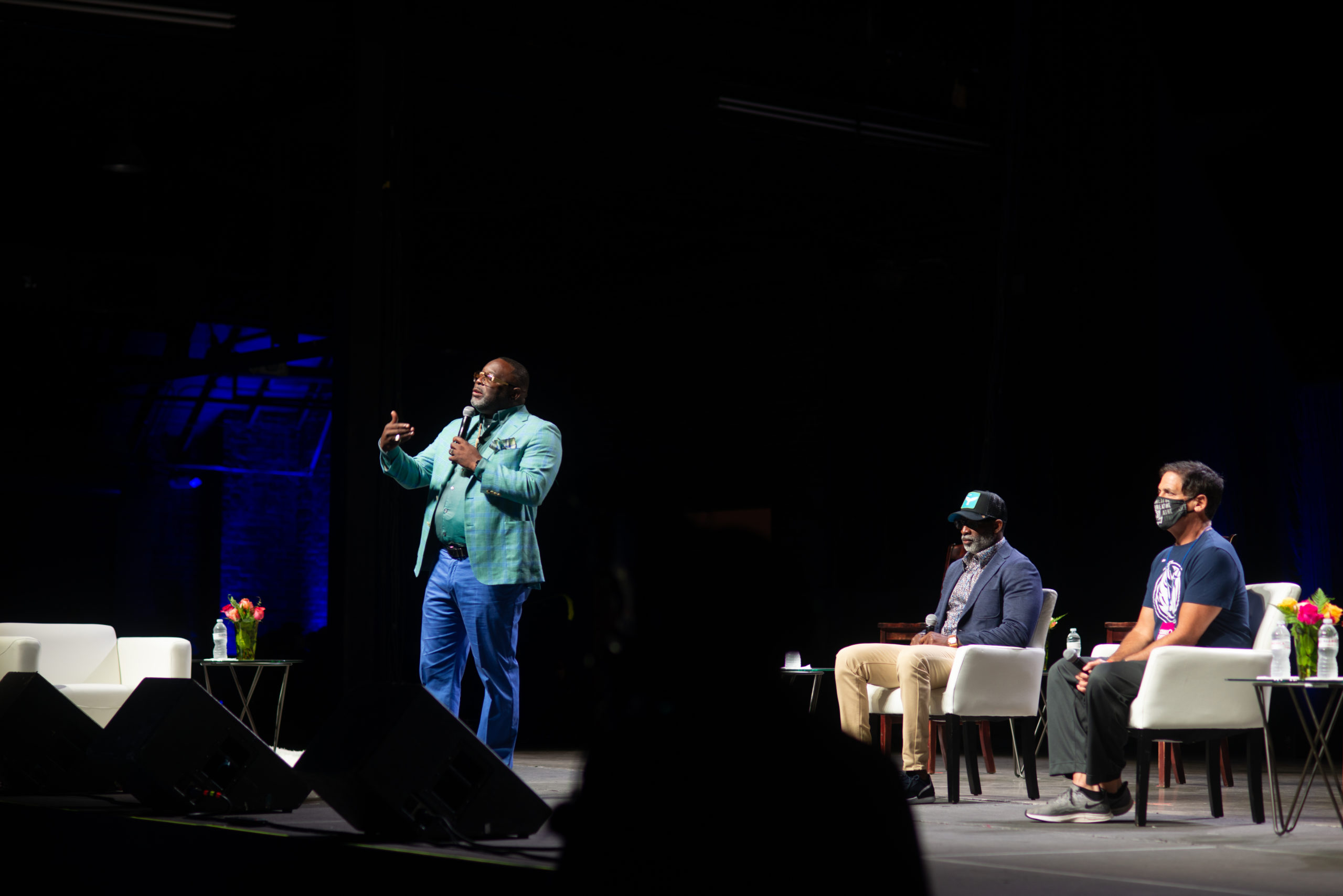 You are currently viewing Fox 4 Dallas – Mark Cuban, Deion Sanders discuss race relations during Dallas Heal America Tour