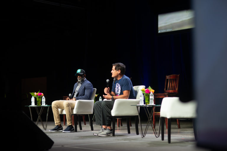 Read more about the article D Magazine – Mark Cuban Joins Heal America Tour in Dallas