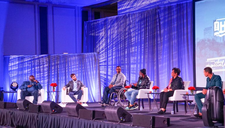 'Heal America' tour holds event in Chicago, focuses on education and humanity